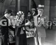 Welcome to Danger -  Harold Lloyd buys girl an orange