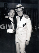 The Milky Way -  Behind the scenes- Harold Lloyd posing with man in arm cast