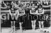 Women's Olympic swim team, 1912